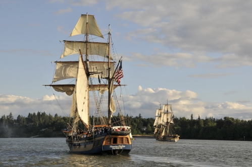 The Hawaiian Chieftan chases the Lady Washington toward St. Helens